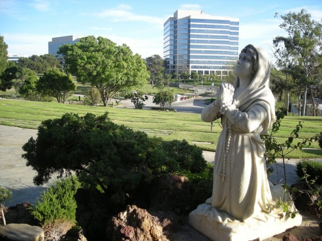 Holy Cross Cemetery in Culver City