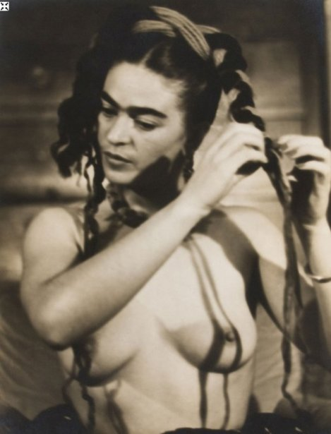 Nude Portrait of Frida Kahlo by Julien Levy