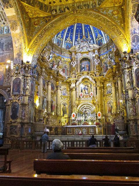 Altar of Quito's La Compañía de Jesús Church